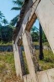 Ruinen von sobald großartige Villa oder Häuschen auf Insel Bubaque in Bijagos-Archipel von Guinea-Bissau, West-Afrika lizenzfreie stockfotos