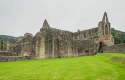Ruinen von Tintern-Abtei, eine ehemalige cistercian Kirche von der 12. Lizenzfreie Stockbilder