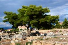 Ruines à Corinthe, Grèce - fond d'archéologie photographie stock