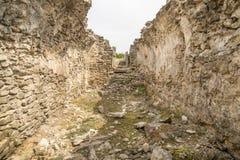 Ruines antiques d'Ulpia Traiana Augusta Dacica Sarmizegetusa en Roumanie images stock