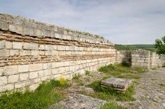 Ruines antiques d'une forteresse médiévale Image libre de droits