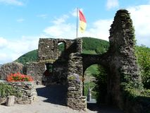 Ruines antiques de château de Metternich dans Beilstein, Rhénanie-Palatinat, Allemagne photos libres de droits