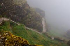 Ruines antiques de pierre en brume sur Inca Trail peru beau chiffre dimensionnel illustration trois du sud de 3d Amérique très Au photos libres de droits