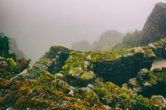 Ruines antiques de pierre en brume sur Inca Trail peru beau chiffre dimensionnel illustration trois du sud de 3d Amérique très Au image stock