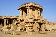 Ruines antiques du char en pierre. Hampi, Inde. Image libre de droits