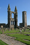 Ruines antiques et cimetière Photos stock