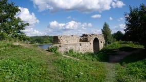 Ruines antiques sur le cloudscape Photo stock