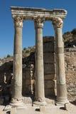 Ruines antiques, vieux fléaux romains en pierre d'ère Photos stock