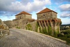 Ruines av en forntida slott på Ourem, Portugal Royaltyfri Foto