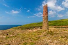 Ruines chez Geevor Tin Mine, Pendeen images libres de droits
