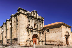 Ruines d'église et de couvent de Las Capuchinas, Antigua, Guatemala Photos libres de droits