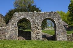 Ruines d'abbaye de bataille dans le Sussex est photo libre de droits