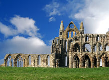 Ruines d'abbaye de Whitby Photographie stock