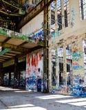 Ruines d'acier de construction : Vieille Chambre de puissance Photo libre de droits