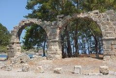 Ruines d'aqueduc de Phaselis, Turquie Photographie stock libre de droits