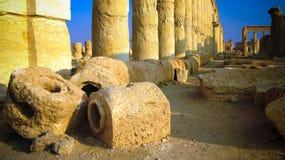 Ruines d'aqueduc et de colonnes antiques de Palmyra, ville antique, détruite maintenant, la Syrie images libres de droits