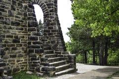 Ruines d'escaliers de château Photographie stock libre de droits