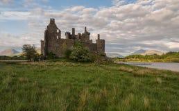 Ruines d'un château en pierre Kilchurn Photographie stock libre de droits