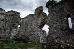 Ruines d'une église antique de Bzyb dans la République de l'Abkhazie Photographie stock libre de droits