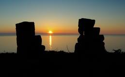 Ruines de château au coucher du soleil Photos stock