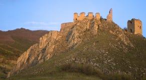 Ruines de château dans les montagnes Image stock