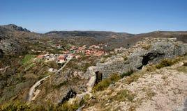 Ruines de château de Castro Laboreiro Photographie stock