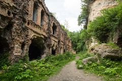 Ruines de fort de Tarakanivskiy, région de Rivne, Ukraine Photographie stock