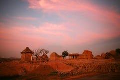Ruines de Hampi dans le coucher du soleil, Inde Photo libre de droits