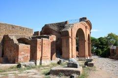 Ruines de l'Amfitheatre d'Ostia Antica, Italie Photos stock