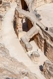 Ruines de l'amphithéâtre et des scènes pour le combat de gladiateurs Photos stock