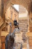 Ruines de l'amphithéâtre romain dans Lecce, Italie Images stock