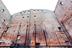 Ruines de la construction de brique image stock