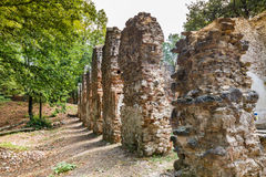 Ruines de monastère Katarinka au-dessus du village de Dechtice, Slov image stock