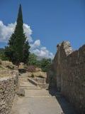 Ruines de murs en pierre de Mystras Images stock