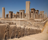 Ruines de palais de Tachara ou de palais de Darius dans Persepolis de Chiraz Photos stock