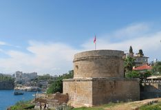 Ruines de Roman Hidirlik Tower à Antalya, Turquie Photos libres de droits