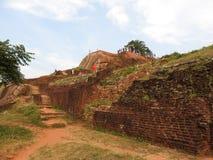 Ruines de Royal Palace sur la roche de lion, Sigiriya, Sri Lanka, site de patrimoine mondial de l'UNESCO image stock