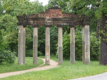 Ruines de Sieben Saeulen dans Dessau Allemagne photos stock