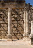 Ruines de synagogue antique Capernaum - en Israël Image stock