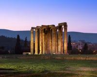 Ruines de temple de Zeus olympien pendant le matin, Athènes, Grèce Photographie stock