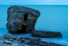 Ruines de vieille Chambre de brique Casernes construisant en mer baltique Photographie stock libre de droits