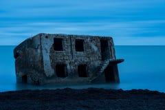 Ruines de vieille Chambre de brique Casernes construisant en mer baltique Image stock