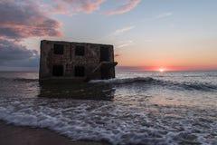 Ruines des forts du nord pendant le coucher du soleil dans Liepaja, Lettonie Images stock
