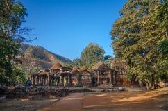 Ruines des temples Jain et de Shiva dans la forêt de polo au Goudjerate, Inde photographie stock libre de droits