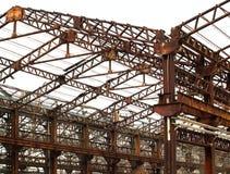 Vieux halls d'usine dans le délabrement image libre de droits