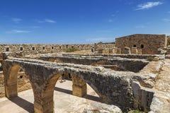 Ruines du château vénitien Fortezza dans Rethymno, Crète Photographie stock libre de droits