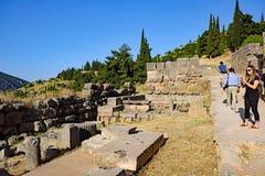Ruines du grec ancien, sanctuaire d'Apollo, Delphes, Grèce photos stock