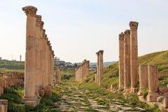 Ruines du Jerash antique, la ville gréco-romaine de Gerasa en Jordanie moderne Image stock