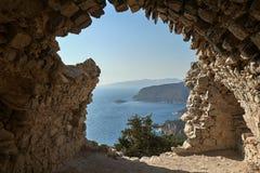 Ruines du mur médiéval image libre de droits