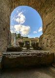 Ruines du théâtre grec dans Taormina, Sicile Images stock